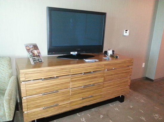 Seminole Hard Rock Hotel Hollywood: TV y conexion para dispositivos USB