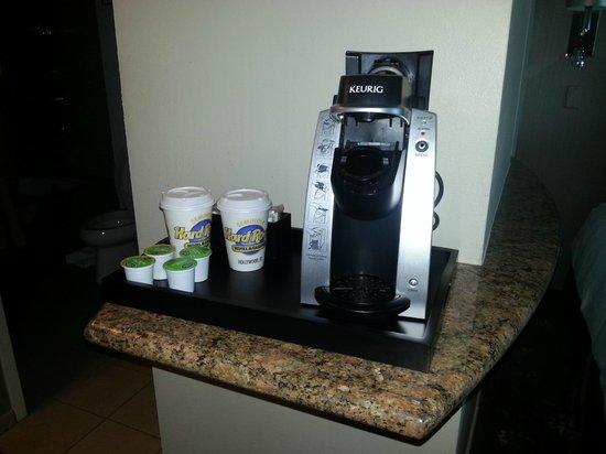 Seminole Hard Rock Hotel Hollywood: Maquina de Cafe en la habitacion