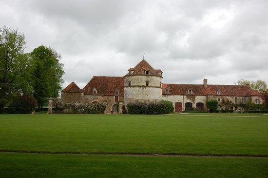 Château d'Epoisses: Les dépendances