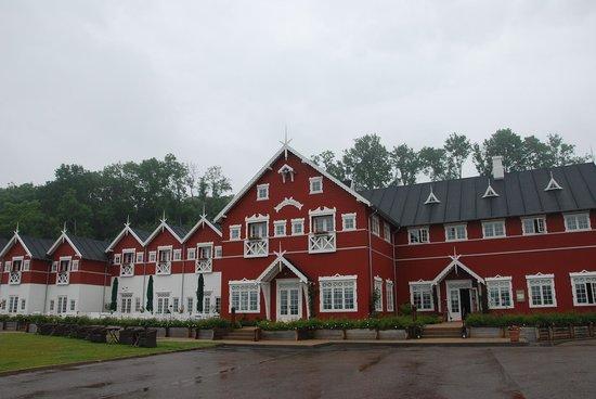 Dyvig Badehotel: Det smukke hotel set fra havsiden