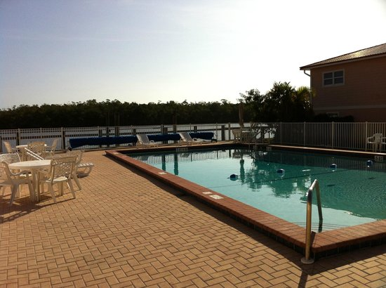 Captain's Table Resort: Pool