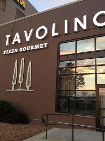 Tavolino: Outside
