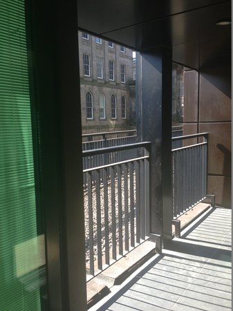 Princes Street Suites: balcony