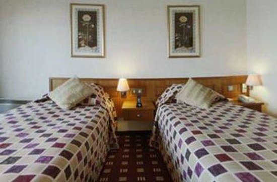 The Reading Lake Hotel: Guest room