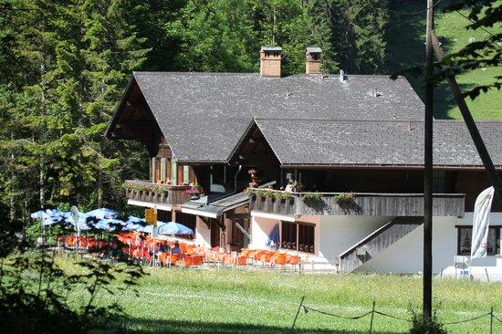Lenk im Simmental, سويسرا: Restaurant Simmenfälle