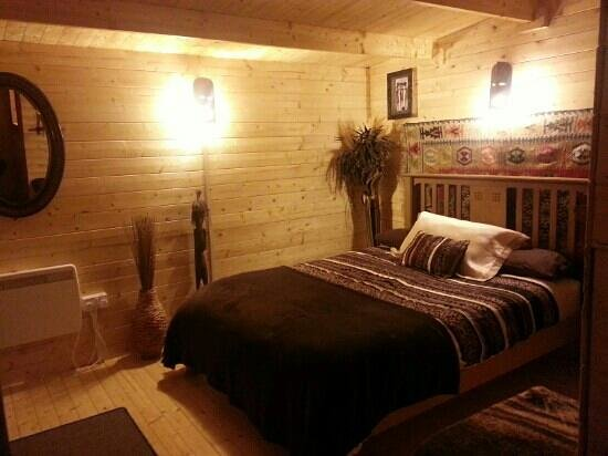 Alice Guest House: ensuite chalet 1