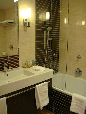 Radisson Blu Hotel Gdansk: Bathroom