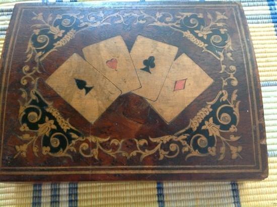 Museobottega della Tarsialignea : scatola intarsiata