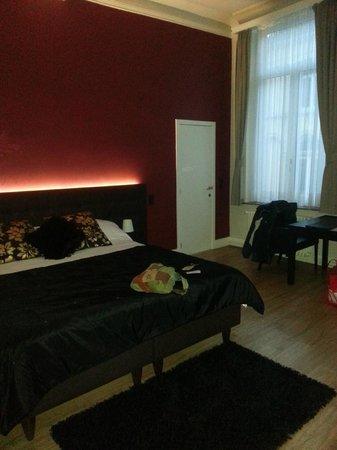 Hotel Onderbergen: Large room