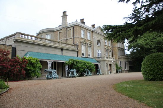 Picture of quex park and the powell cotton museum for Quax parc
