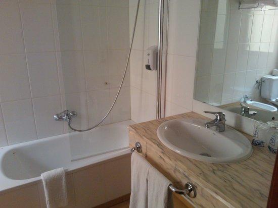 Hotel GIT Conquista de Toledo: baño