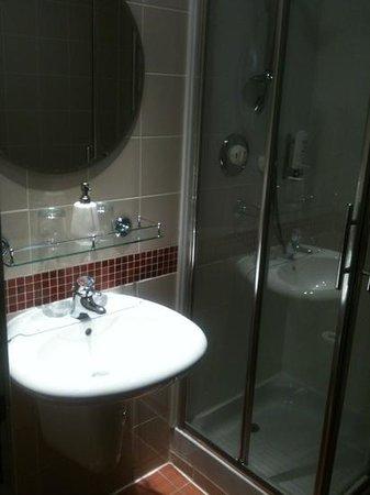 very nice bath room in room nr12