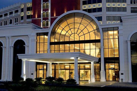 فندق ريتز كارلتون أبوظبي القناة الكبرى
