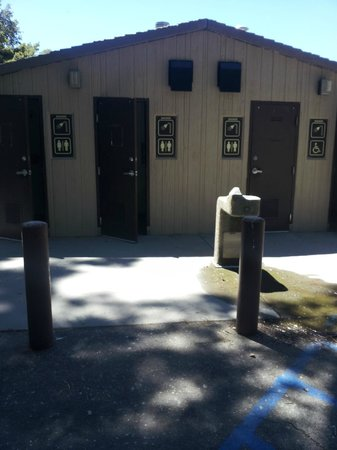 Palomar Mountain State Park: 4 showers on site