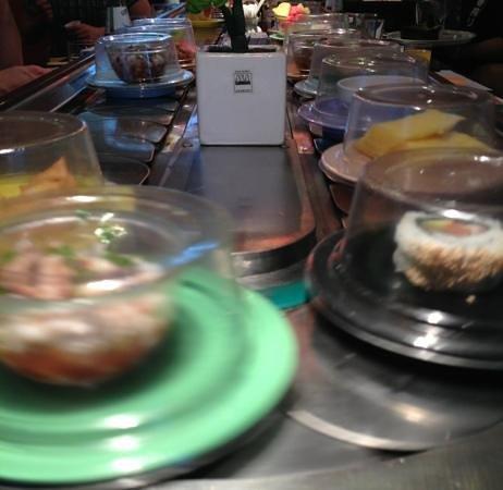 Fuji Sushi Bar: main table