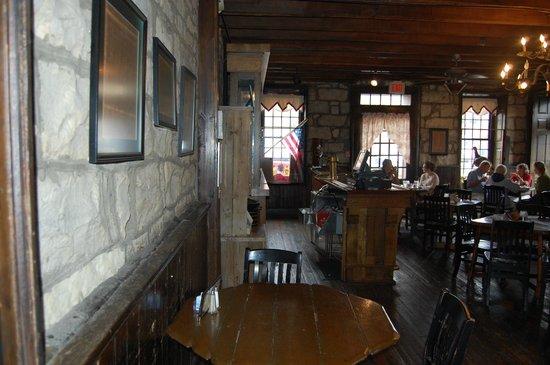 Old Talbott Tavern : Inside