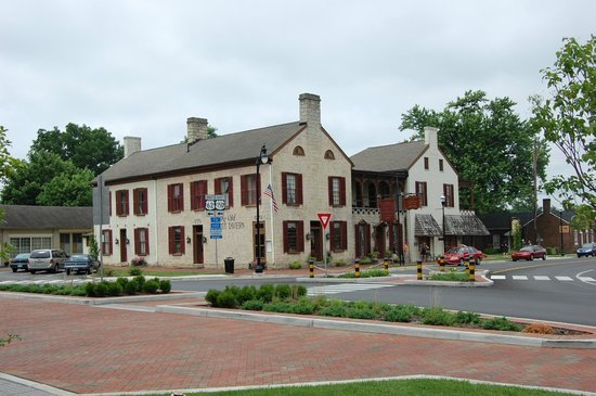 Old Talbott Tavern : Outside
