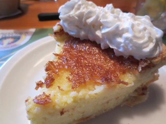 Barrington Brewery & Restaurant: Delicious coconut custard pie