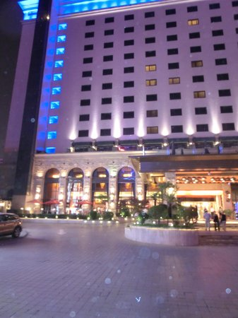 Grand Noble Hotel: Entrén till Grand Nobel Hotell