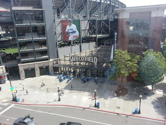 Silver Cloud Hotel - Seattle Stadium: View from room2