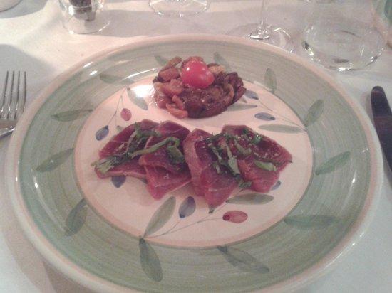 L'Oste Scuro : tonno scottato con caponatina di verdure