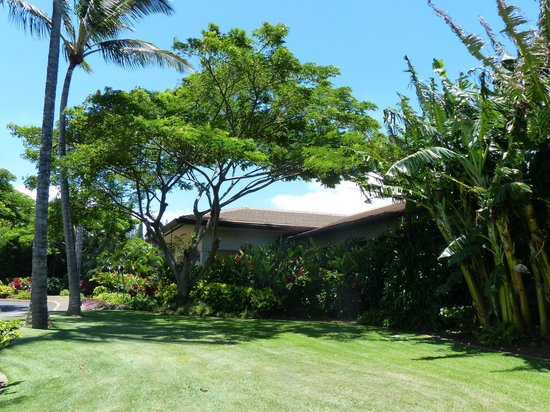 The Kapalua Villas, Maui: Beautifully landscaped grounds. This is the spa.