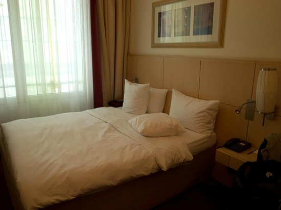 Hotel Mondial am Dom Cologne MGallery by Sofitel: room