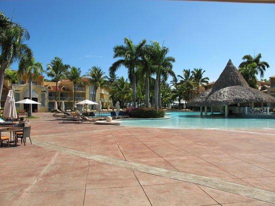 VH Gran Ventana Beach Resort: Pool...taken on Friday morning