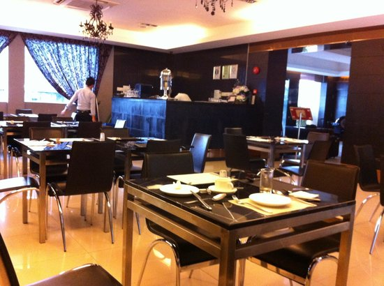 Hotel de Leon: The restaurant only opened for breakfast