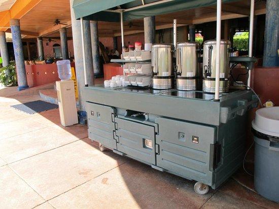 VH Gran Ventana Beach Resort: Water, Coffee and Tea refills