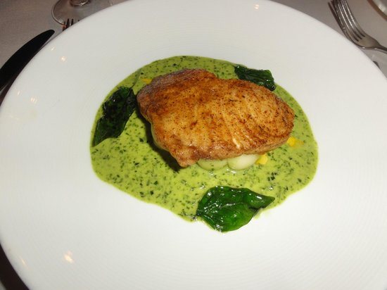 The Cliff: Fish main course, wonderfully presented and tasted amazing