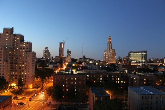 Fairfield Inn & Suites New York Brooklyn: Vistas desde la terraza.