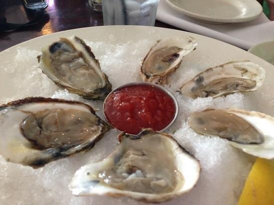 Hurricane Restaurant: yummy oysters
