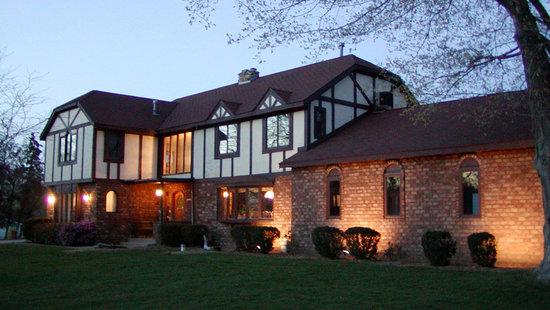 Heritage Manor Inn