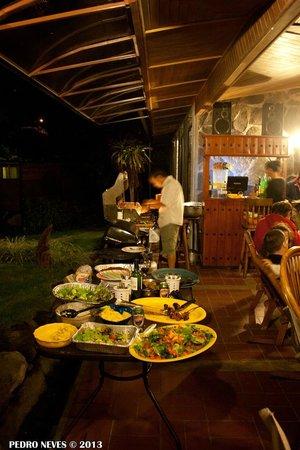 Hostal Refugio del Rio: Barbecue
