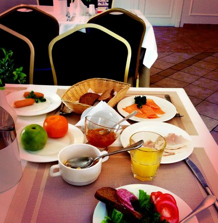 Royal Olympic Hotel: brekfast