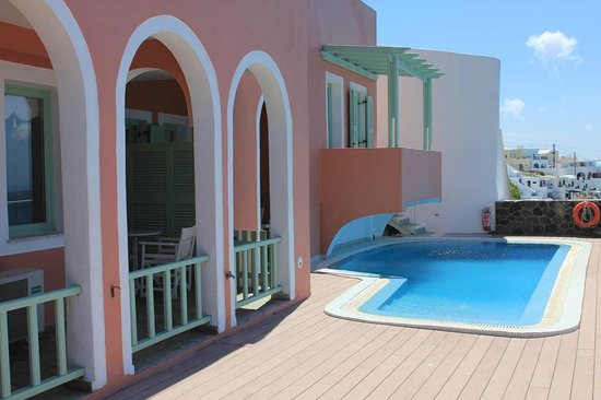 Ira Hotel & Spa: Pool area