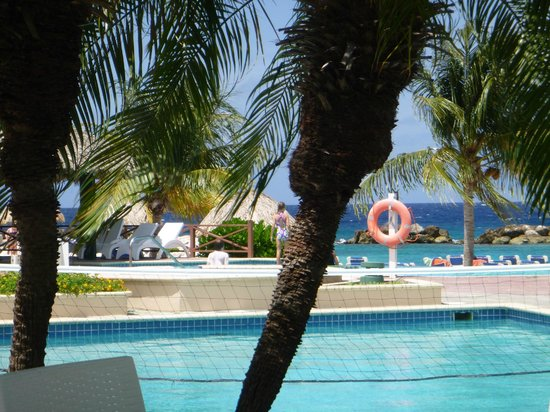 Sunscape Curacao Resort Spa & Casino: by the pool