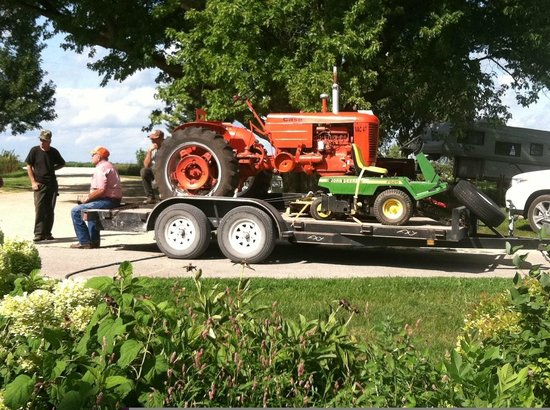 The Dairy Barn Bed and Breakfast: See our collection of vintage Allis Chalmers tractors