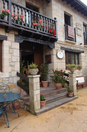 Posada Herran: hotel entrance