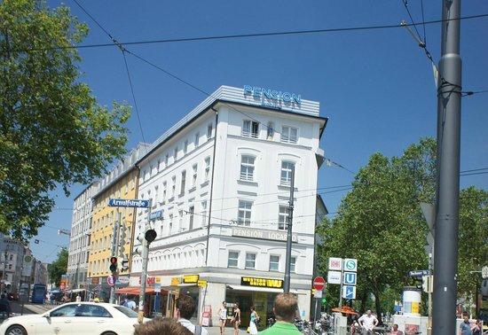 Pension Locarno: hotel to left when you exit train station at Bahnhofplatz city center
