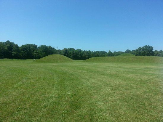 Hopewell Culture National Historical Park: Indian Mounds