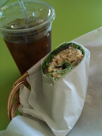 D & G Deli: D & G Chicken salad and iced tea delish.