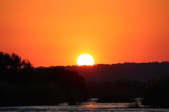 Islands of Siankaba: Sunset from Hippo Island sundowner boat cruise