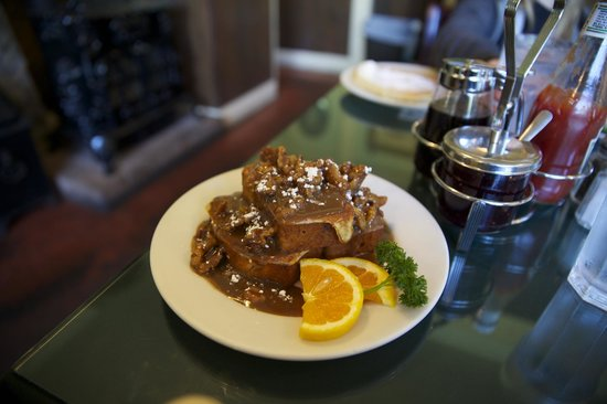 Skylarks Hidden Cafe: Breakfast signature dish, Banana Bread French Toast