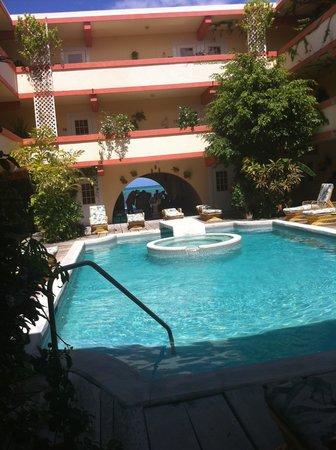 Banana Beach Resort: large pool