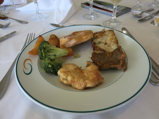 Sao Miguel Park Hotel : Selection from the dinner buffet
