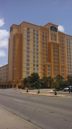 La Quinta Inn & Suites San Antonio Riverwalk : a Quinta Inn & Suites San Antonio Convention Cntr
