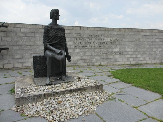 Mauthausen : East German Memorial and Betolt Brecht quote