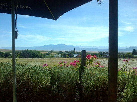 The Barn Pub & Restaurant: View of Kasteel Valley.